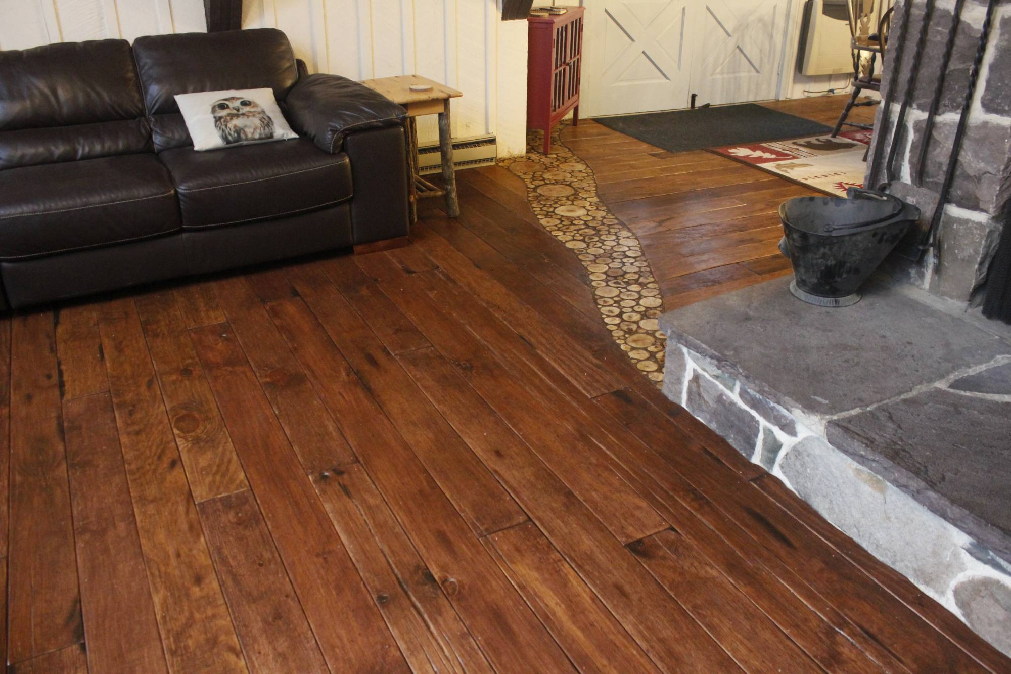 DIY Farmhouse Wide Plank Flooring Made From Plywood - The Plywood Floor In The Living Room By The Wood Accent
