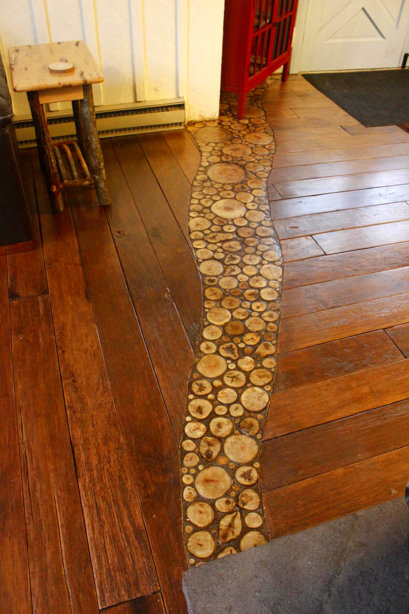 Installing An End Grain Flooring Inlay - The End Grain Flooring Inlay Finished